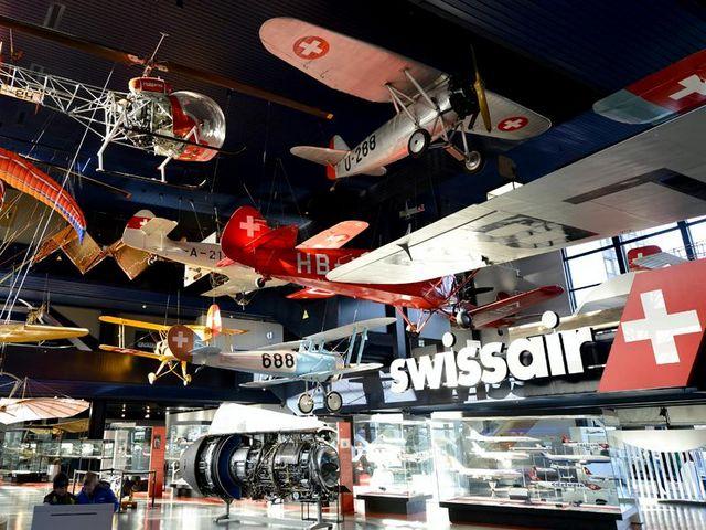 متحف المواصلات في سويسرا لوزيرن من اجمل المناطق السياحية في لوزيرن