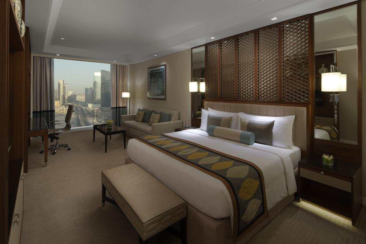 فندق التاج دبي من افضل فنادق في دبي