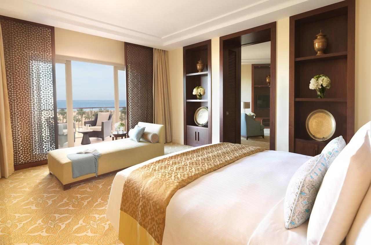 فندق الريتز كارلتون دبي جي بي ار من افضل فنادق في دبي