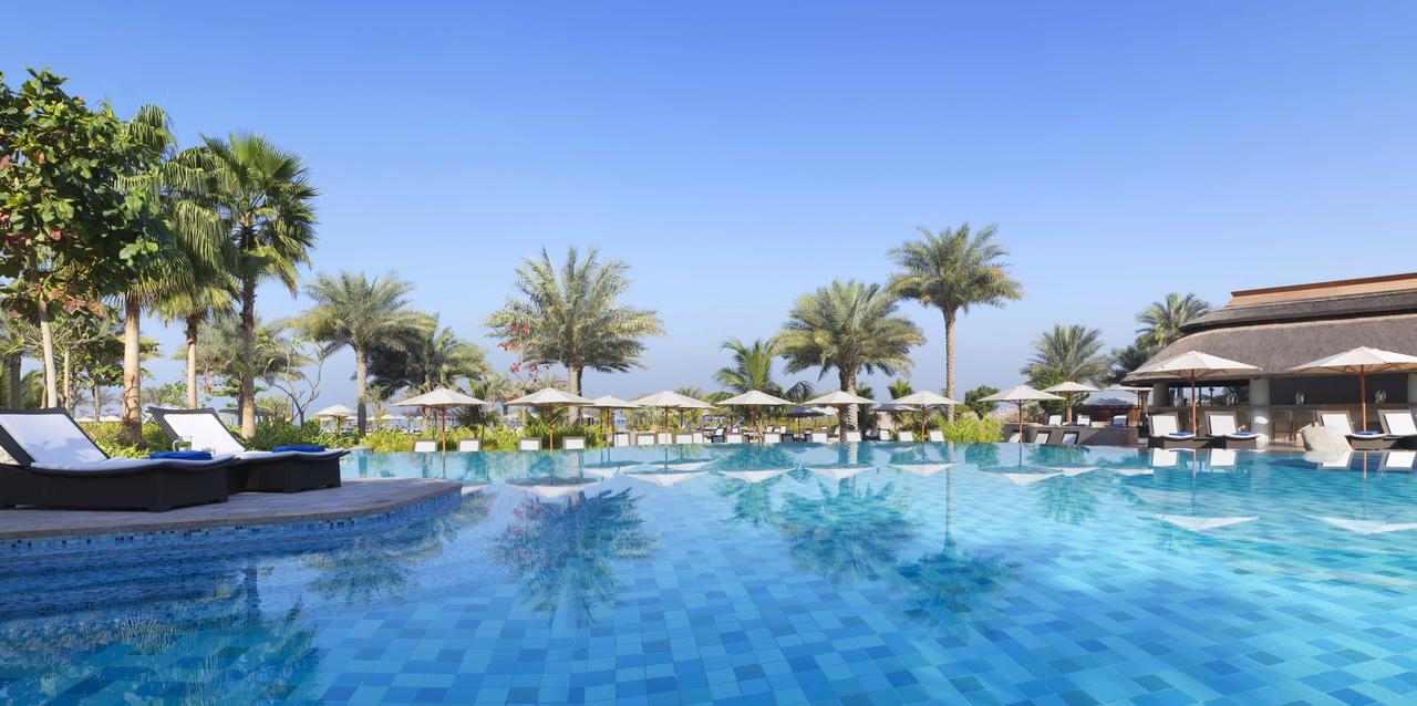 منتجع الريتز كارلتون دبي من افضل منتجعات دبي ، فندق الردس كارلتون من افضل فنادق دبي 5 نجوم
