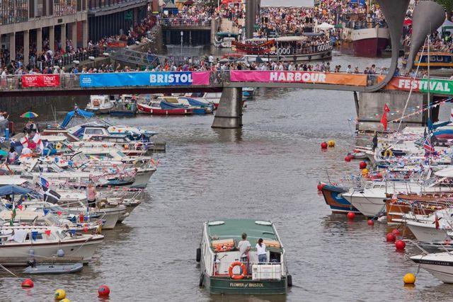 ميناء بريستول من اهم الاماكن السياحية في بريستول في بريطانيا