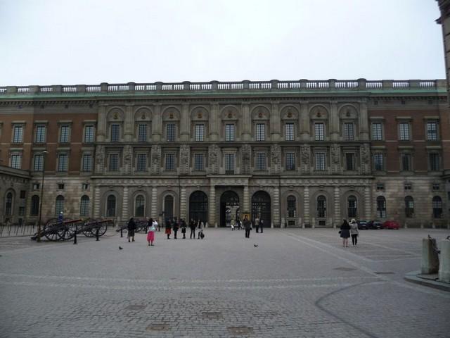 قصر ستوكهولم الملكي السويد من اهم الاماكن السياحية في السويد ستوكهولم