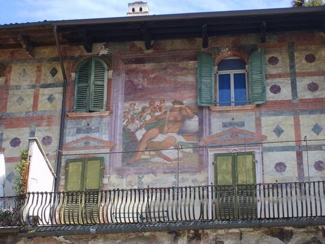 ساحة ديل إرب فيرونا من افضل الاماكن السياحية في ايطاليا