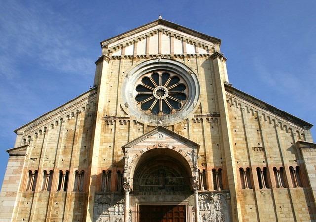 كاتدرائية فيرونا من اشهر الاماكن السياحية في فيرونا ايطاليا