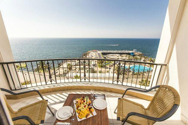 فندق الريفيرا بيروت