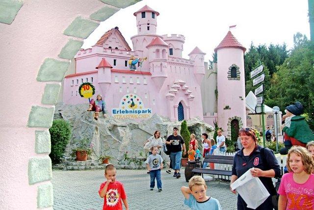 احد اماكن سياحية في سالزبورغ النمسا منتزه فنتازيانا سالزبورغ