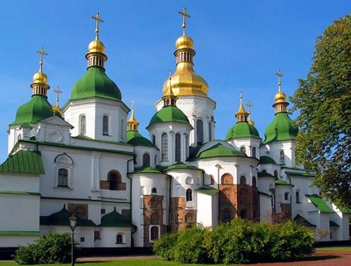 كاتدرائية القديسة صوفيا من اجمل اماكن السياحة في كييف اوكرانيا