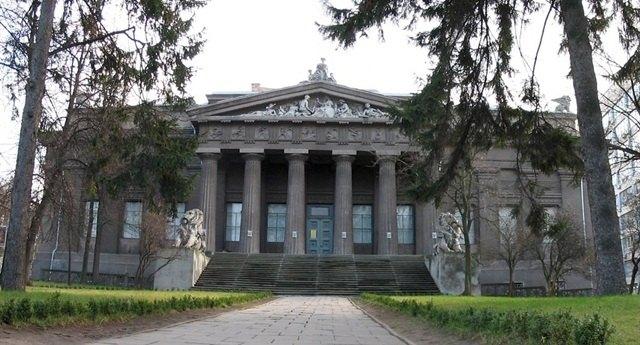 المتحف الوطني للفنون من افضل الاماكن في كييف سياحة