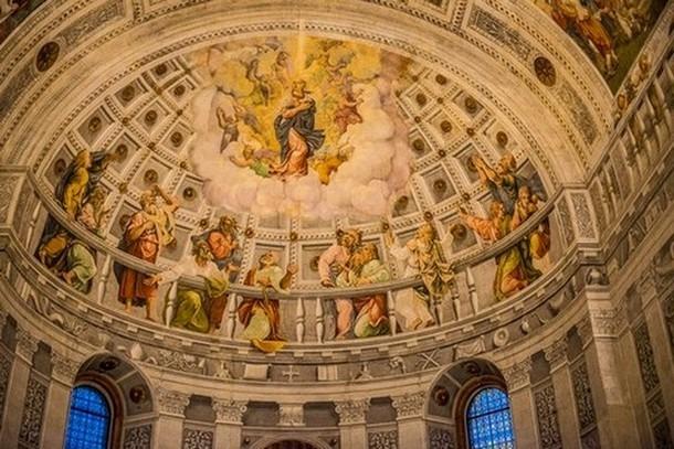 كاتدرائية فيرونا من افضل اماكن سياحية في فيرونا الايطالية