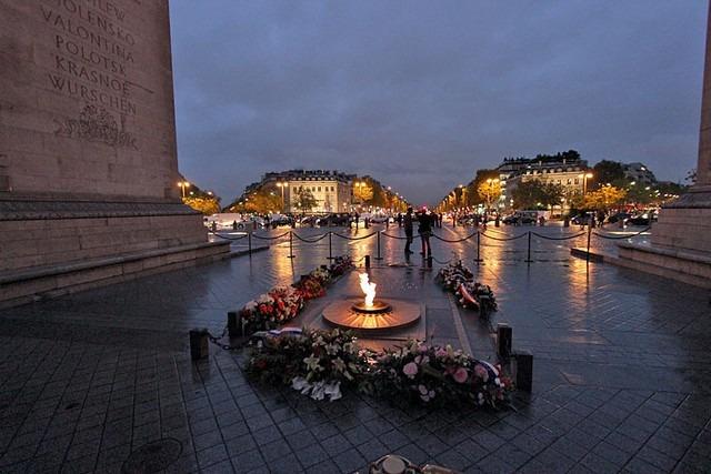 قوس النصر من اهم اماكن السياحة في باريس
