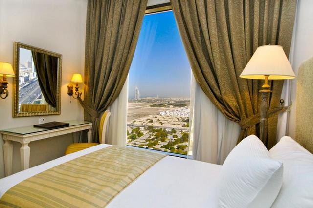 تقرير عن فندق جلوريا في دبي