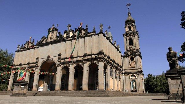 كاتدرائية الثالوث المقدس في اديس ابابا من اجمل الاماكن السياحية في اديس ابابا