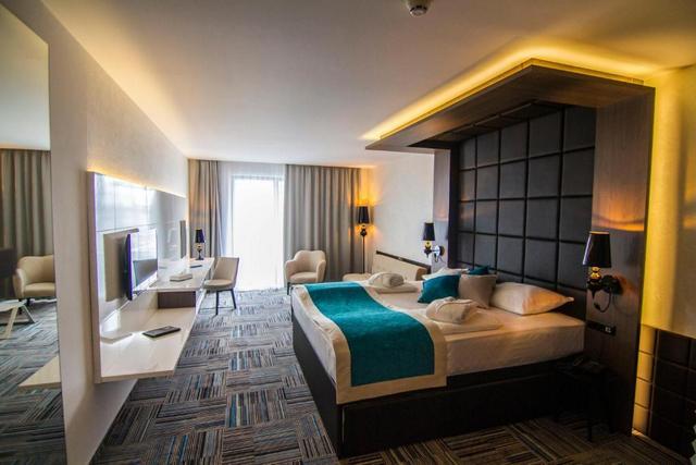 فندق ومنتجع هيلز سراييفو كونغرس آند ثيرمال سبا