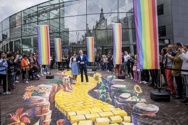 متحف فان جوخ من افضل اماكن السياحة في امستردام