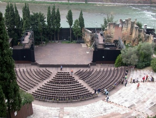 المسرح الروماني في فيرونا ايطاليا
