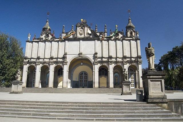 اديس ابابا عاصمة اثيوبيا كاتدرائية الثالوث المقدس في اديس ابابا