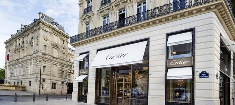 شارع الشانزليزيه باريس