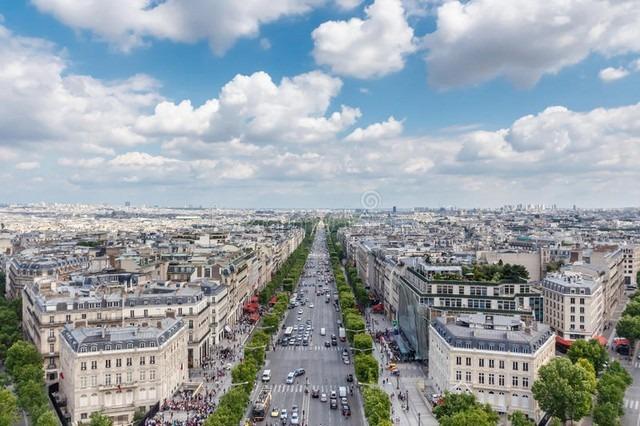 شارع الشانزليزيه فرنسا و اين يوجد شارع الشانزليزيه