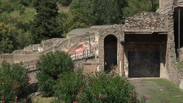 قلعة سان بيترو من اهم الاماكن السياحية في ايطاليا فيرونا