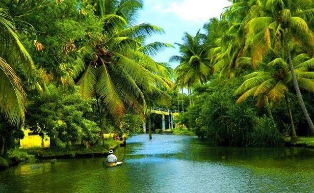 كيرلا ولاية تضم اجمل مدن الهند السياحية حيث تضم مناطق سياحية في الهند جعلت منها وجهة للسياحة في الهند