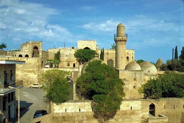 قصر الشروانشاهانيين من افضل الاماكن في اذربيجان سياحة