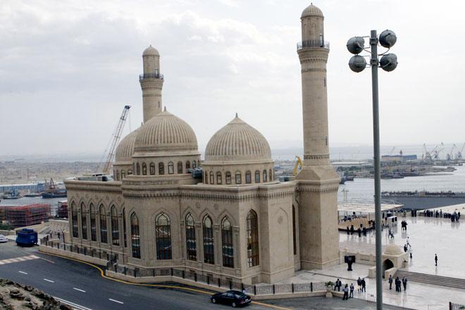 مسجد باب الهيبة من اهم معالم باكو اذربيجان