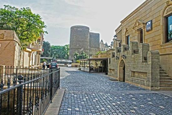 المدينة القديمة في باكو من افضل الاماكن السياحية في باكو اذربيجان