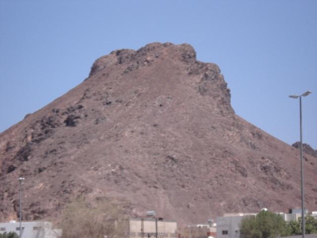 جبل أحد من ابرز الاماكن السياحية في المدينة المنورة السعودية