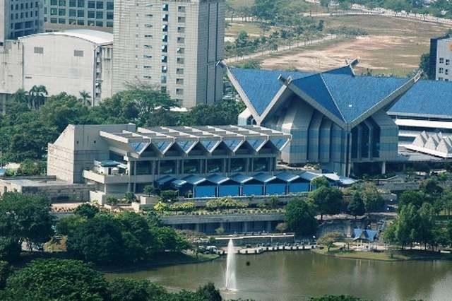يشتهر متحف السلطان شاه علام بكونه من اهم اماكن سياحية في سيلانجور ماليزيا