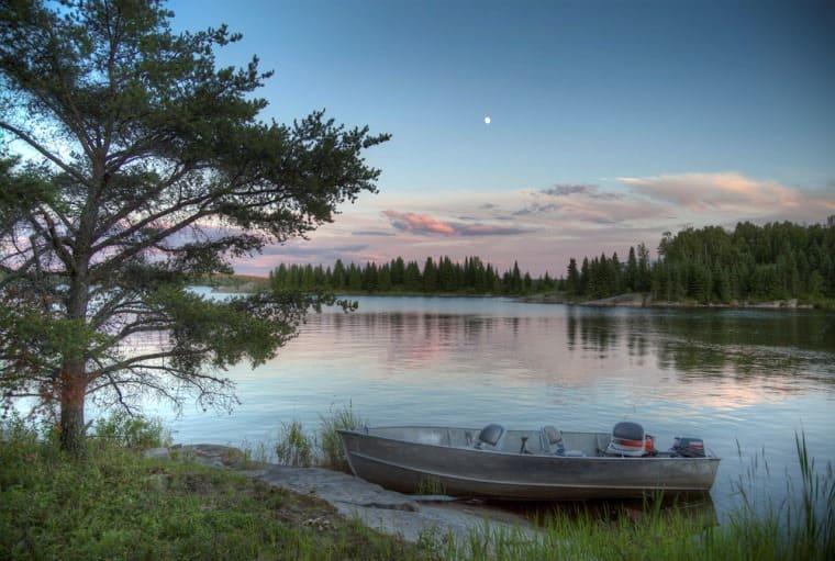 بحيرة اونتاريو من اجمل الاماكن السياحية في تورنتو كندا