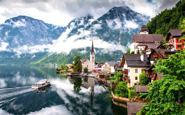 بحيرة هالشتات في النمسا