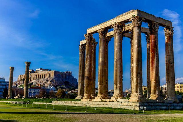 معبد زيوس الأولمبي في أثينا