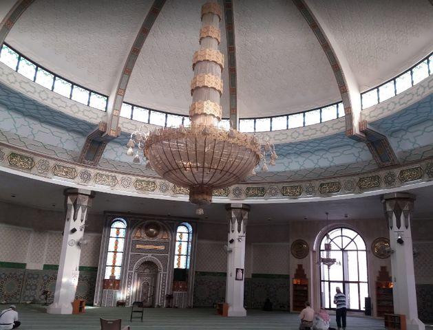 المسجد العائم في جدة من الأماكن السياحية المشهورة