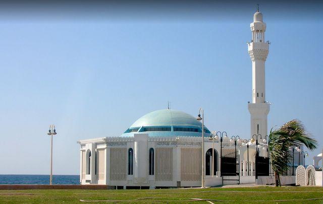 المسجد العائم في جدة السعودية