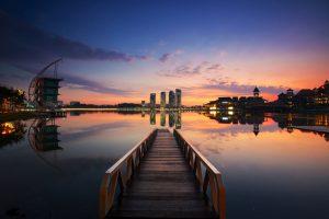 بحيرة بوتراجايا في سيلانجور من اهم اماكن السياحة في ماليزيا