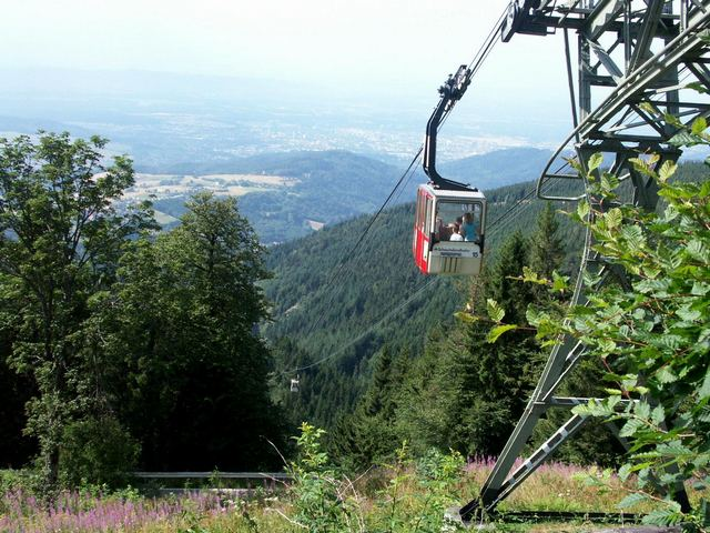 تلفريك فرايبورغ من اهم الاماكن السياحيه في فرايبورغ المانيا