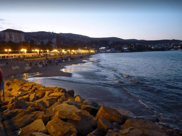 شاطئ ريزي عمر