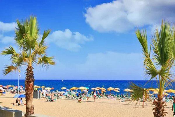 اشهر شواطئ برشلونة