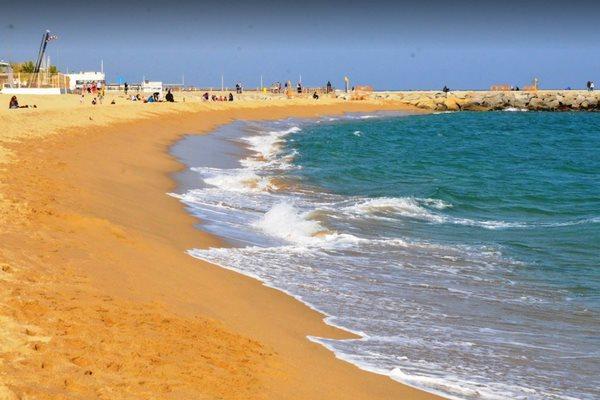 شواطئ في برشلونة