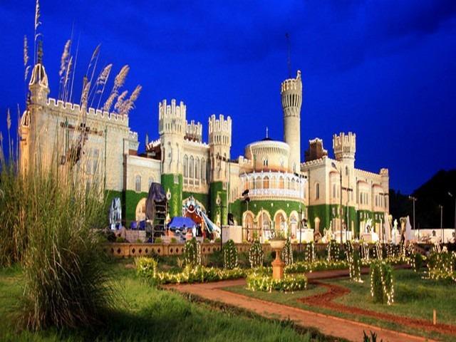 حدائق قصر بنجلور