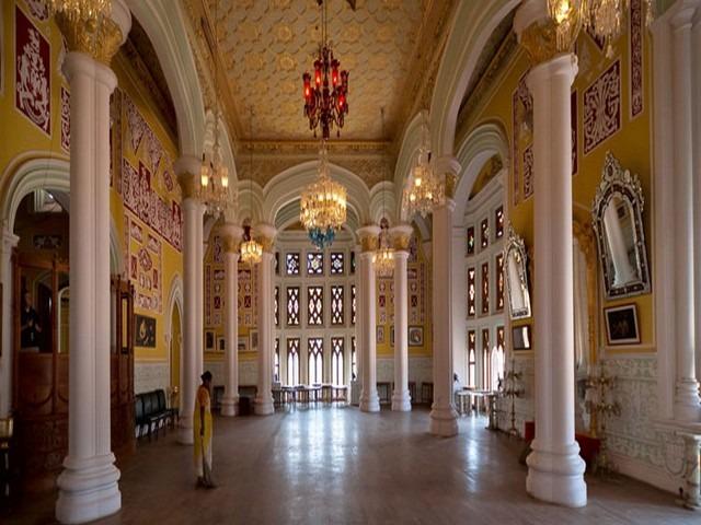 جولة في قصر بنجلور