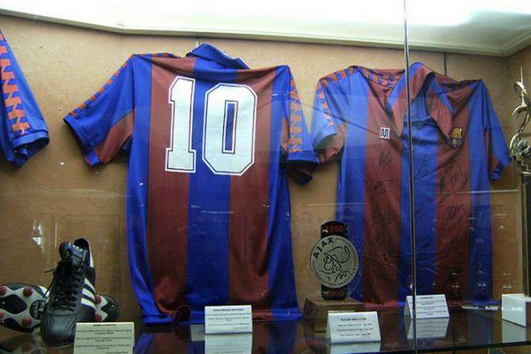 متحف نادي برشلونة أفخم المتاحف الرياضية
