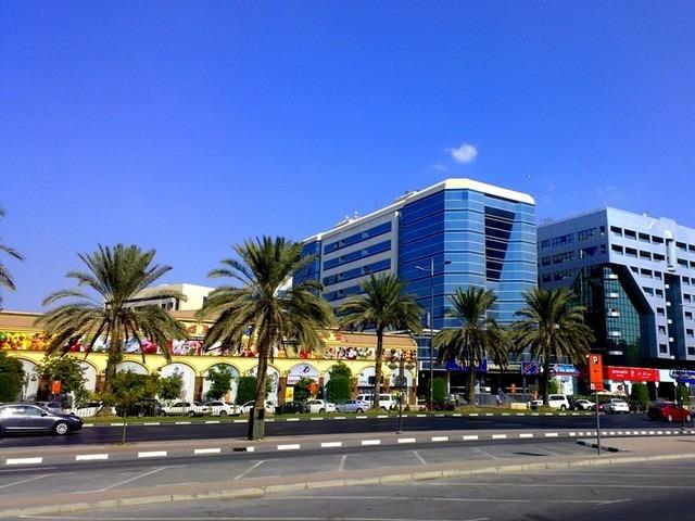 شارع المراقبات من اهم شوارع دبي بالصور