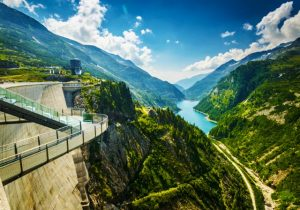 بحيرة كابرون من اهم اماكن السياحة في كابرون النمسا