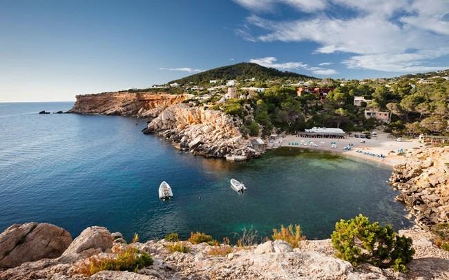 جزيرة ابيزا اسبانيا