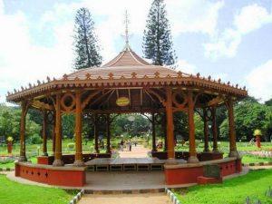 حديقة لال باغ في بنجلور من اجمل حدائق الهند