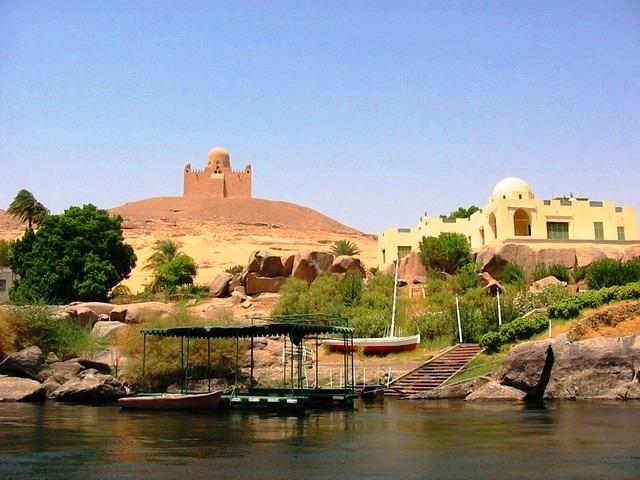 ضريح الآغا خان في مصر اسوان