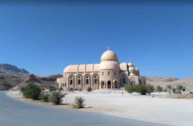 السياحة في العين السخنة في مصر
