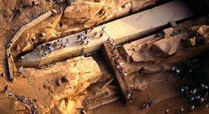 المسلة الناقصة من اهم المعالم السياحية في اسوان
