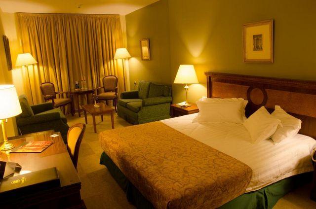 فنادق بحر الميت